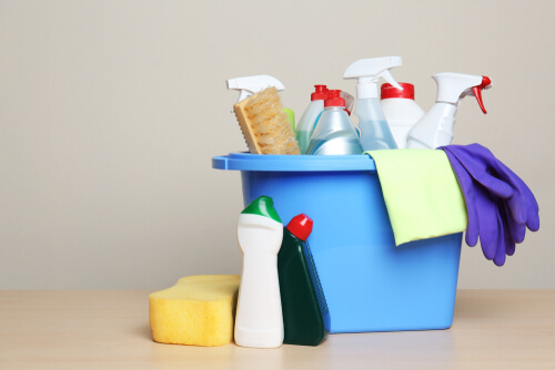 What's the best way to keep corporate housing in Los Angeles clean