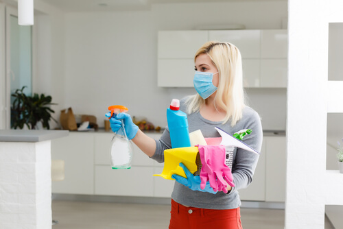 Where can I book professional vacation rental cleaning in the East Bay area