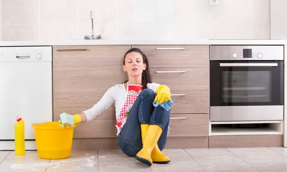 What is the best way to clean bathroom tiles